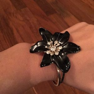Beautiful flower statement bracelet